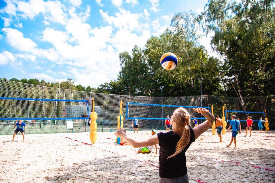 Открытая волейбольная площадка в Сокольниках